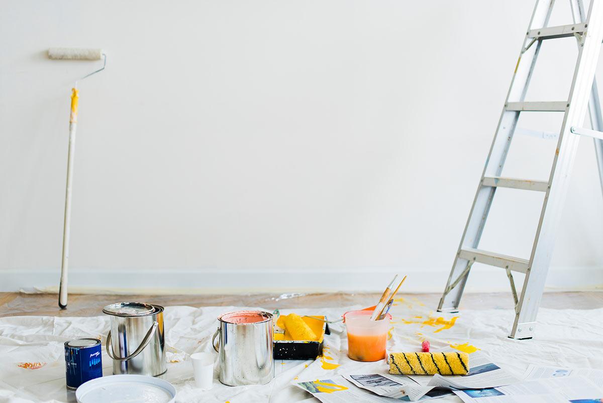 Feiler & Kohn Hausrenovierungen - Gaildorf-Unterrot - Holzbau - Zimmerei - Steildachsanierung - Flachdachsanierung - Wohndachfenstern & Dachdämmung - Balkonsanierung - Terrassensanierung - Garagensanierung - Flaschnerarbeiten - Fassadenverkleidung - Innenausbau